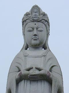 大建寺平和観音像
